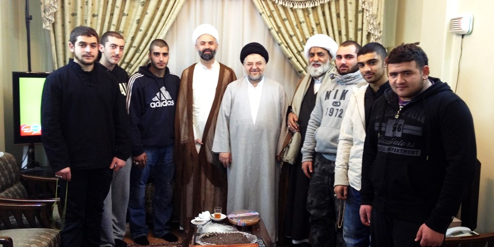 Sheikh-with-Sayed-Jawad-al-Shahrestani-and-some-Australian-youth